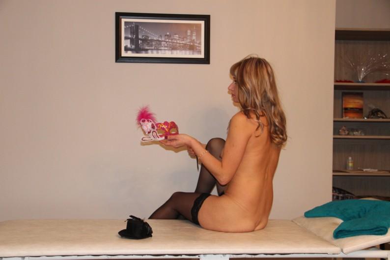 Вестка сакуры или массаж с поцелуями эротические фантазии в салоне Подари себе сказку при эротическом релаксе