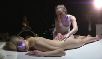 drochat-maslyaniy-eroticheskiy-massazh