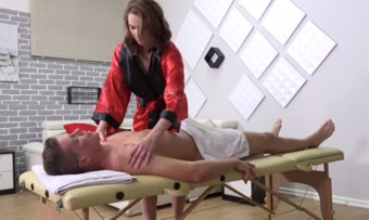 Классический и эротический массаж в городе Саратов для мужчин, женщин девущек пар, эротическая шоу сказка лесби шоу постановка